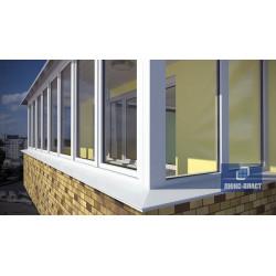 Балкон с окнами ПВХ с белыми отливами из металла