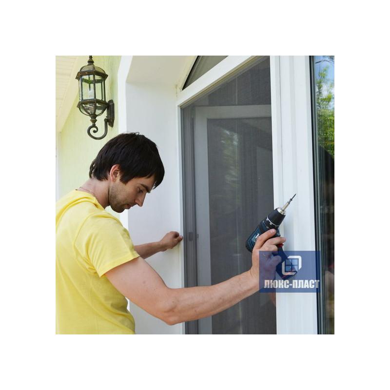 Изготовление и установка сетки на дверь